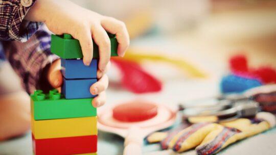 Les jouets d'éveil à choisir selon l'âge de son enfant